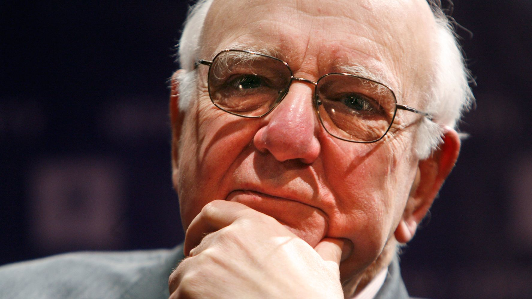 Paul Volcker, Former Federal Reserve Chairman, Dies At 92 thumbnail