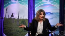 Marianne Williamson Apologizes For Spreading Fake Story About Trump Pardoning Charles Manson