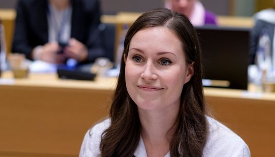 Sanna Marin, a primeira-ministra da Finlândia que vai formar coalizão majoritariamente