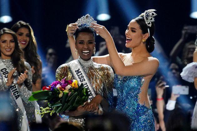 Zozibini Tunzi, da África do Sul, foi coroada como Miss Universo no último domingo (8)....