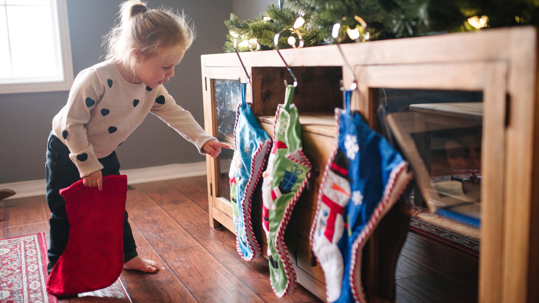 No Fireplace For Santa Or Stockings? Here's How To Save Christmas