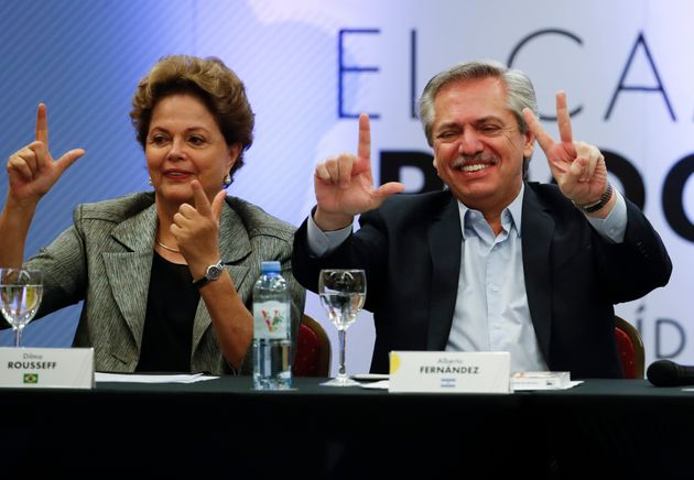 Próximo a ex-presidente Dilma Rousseff, o novo presidente da Argentina, Alberto Fernández,...