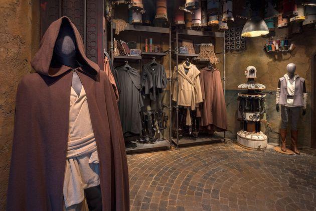 Em uma das lojinhas você encontra toda a indumentária