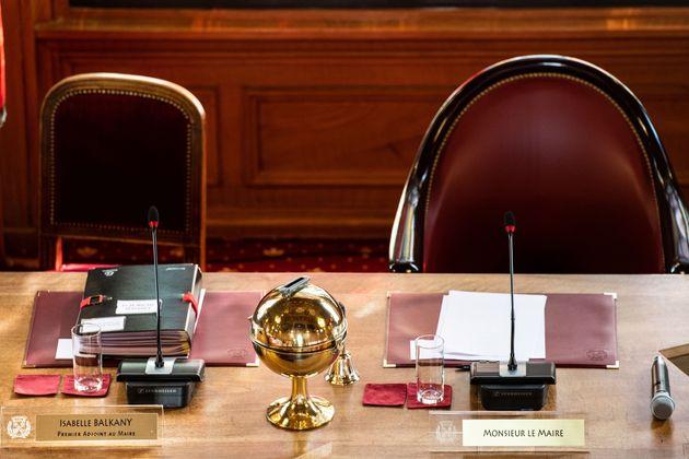 Une adjointe de Balkany démissionne en plein Conseil et charge le couple de Levallois (photo d'illustration...