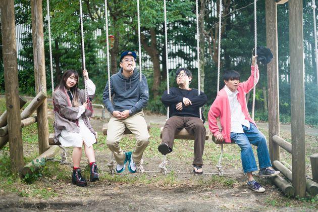 神聖かまってちゃんメンバー(右から):の子(ボーカル・ギター)、ちばぎん(ベース・コーラス)、mono(キーボード)、みさこ(ドラム)