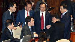 민주당과 한국당이 다시 충돌 양상을 보이고