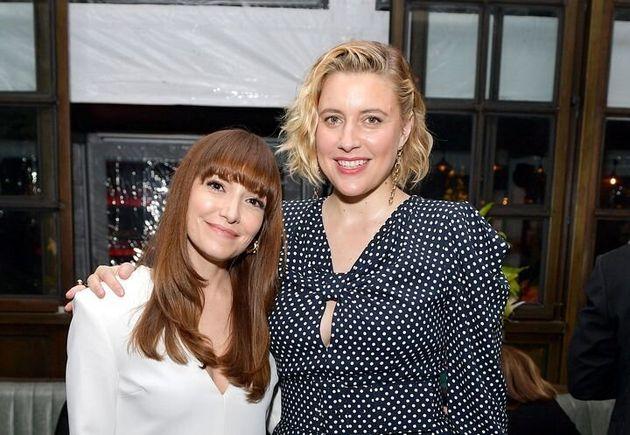 ローリーン・スカファリア(左)とグレタ・ガーウィグ(右)
