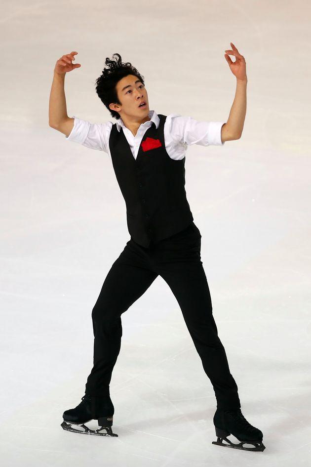 2019年11月1日、フランス国際フィギュアスケート大会のショートでの衣装