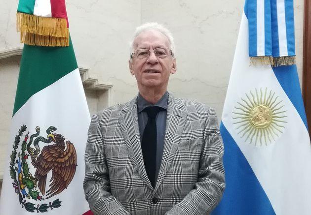 La photo officielle de l'Ambassadeur Oscar Ricardo Valero Recio Becerra sur le site de l'Ambassade du