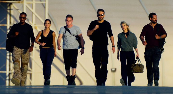"Corey Hawkins, Adria Arjona, Ben Hardy, Ryan Reynolds, Mélanie Laurent and Manuel Garcia-Rulfo in ""6 Underground"""