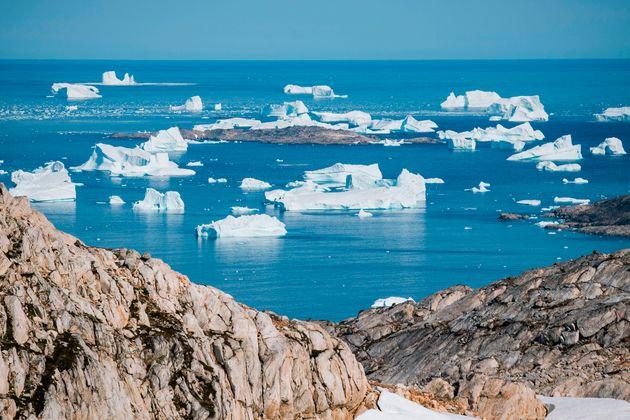 Γροιλανδία: Οι πάγοι λιώνουν επτά φορές πιο γρήγορα από τη δεκαετία του