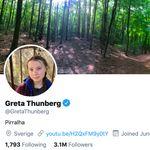 Bolsonaro chama Greta de 'pirralha', e ela passa a adotar o termo na descrição no
