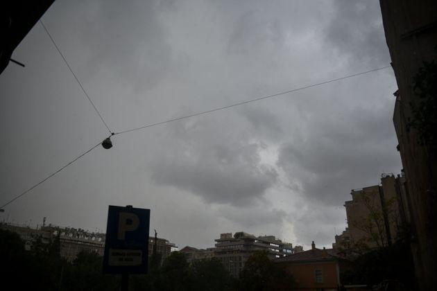 Κακοκαιρία Διδώ: Μέχρι πότε θα σαρώσει η άγρια καταιγίδα την