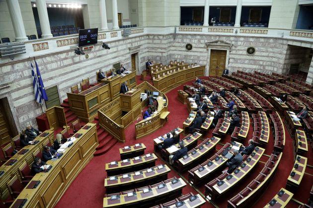 «Ηρακλής»: Κατατέθηκε στη Βουλή το νομοσχέδιο για τα μη εξυπηρετούμενα