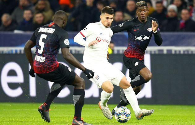 Houssem Aouar, premier buteur lyonnais de la rencontre face au RB Leipzig en Ligue des champions, ce...