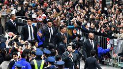 ラグビー日本代表が感謝パレード「日本中がONE TEAMに」