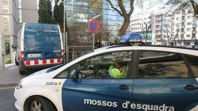 Vehículos de los Mossos d'Esquadra, en una imagen de