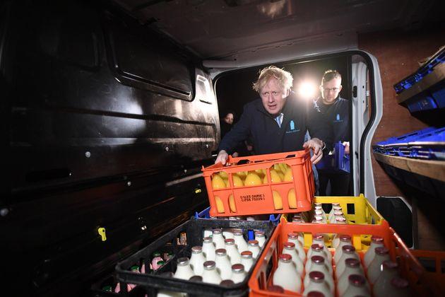 Εκλογές στην Βρετανία - Πλειοψηφία 24 έως 28 εδρών δίνουν οι εταιρείες δημοσκοπήσεων στον