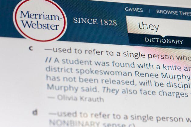 Γιατί η αντωνυμία «they» (αυτοί) είναι για το λεξικό Merriam-Webster η λέξη της