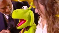 Pas facile d'interviewer une ventriloque, pas vrai David Ginola