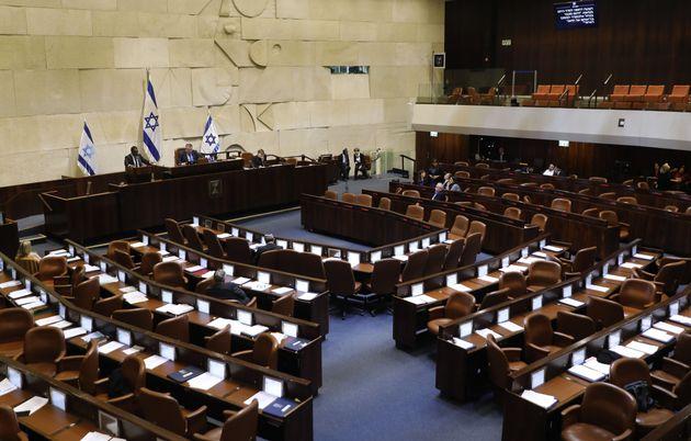 Il Parlamento israeliano vota per sciogliersi un