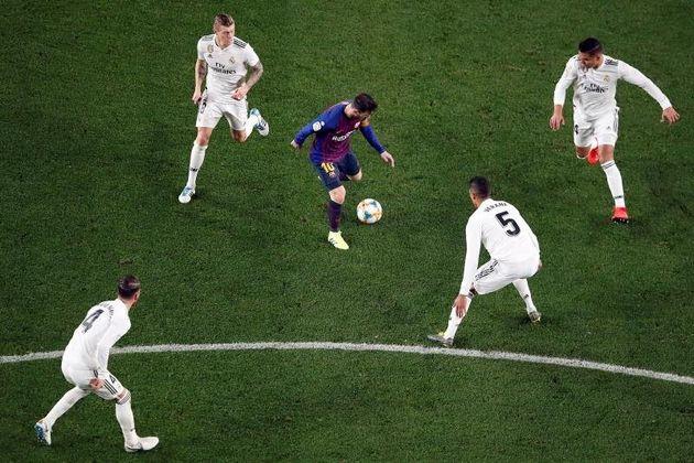 El 'Clásico' Barça-Madrid podría disputarse en un campo neutral si no se garantiza la