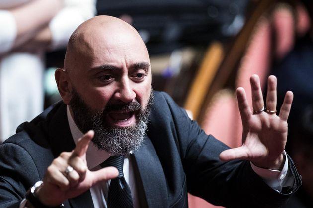 """""""Il Mes è un bluff"""". L'invettiva del senatore Lucidi, a un passo dall'addio a M5S"""