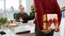 Τα Χειρότερα Δώρα Διακοπών Εργαζομένων Έχουν Λάβει Ποτέ