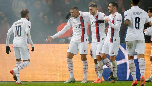 Kylian Mbappé célèbre son but contre Galatasaray au Parc des Princes, ce mercredi...