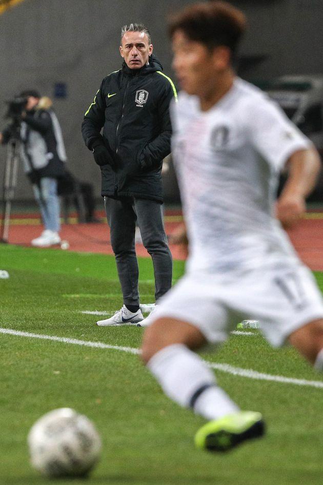 '한국 홍콩' 2-0 승리에도 '진땀승'이라는 표현이 나오는