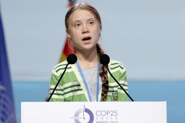 COP25の関連イベントでスピーチするスウェーデンの環境活動家グレタ・トゥンベリさん(スペイン・マドリード)