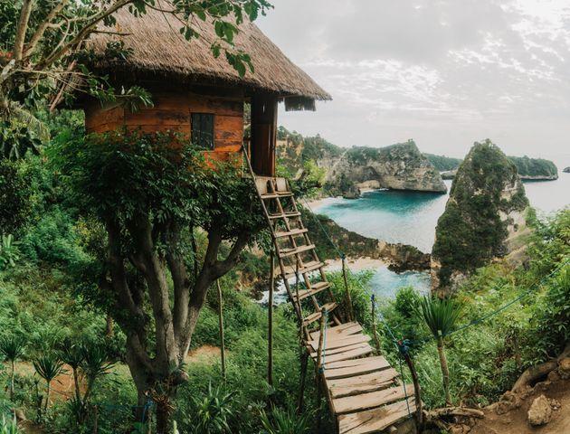 Μοναδικά σπίτια στον κόσμο χτισμένα στα πιο απίθανα
