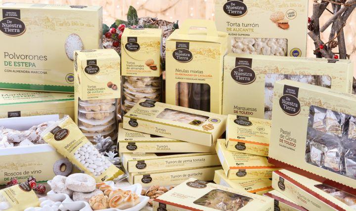 Polvorones, mantecados, marquesas y turrones de la marca propia De Nuestra Tierra, de la cadena de supermercados Carrefour.