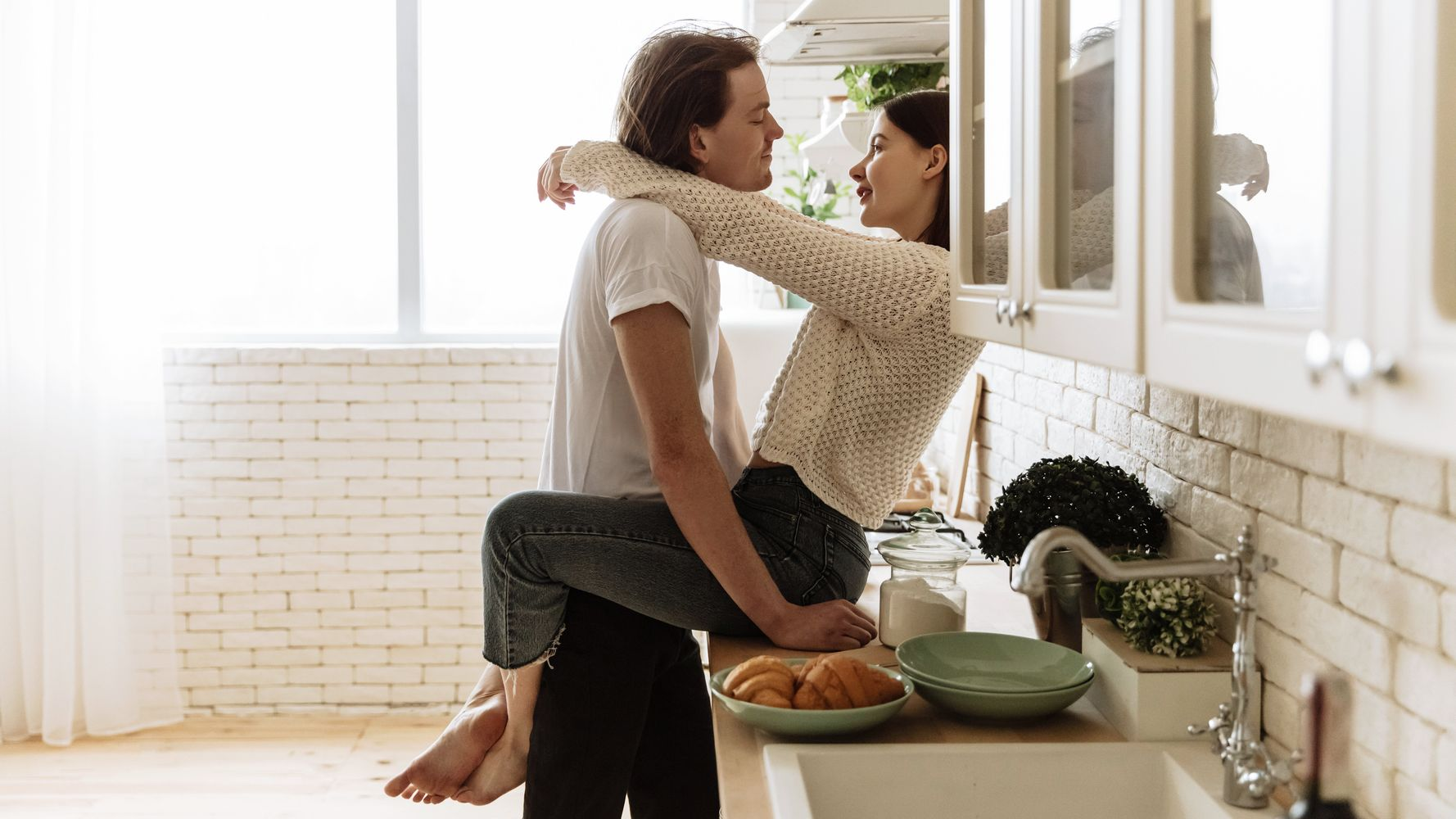 5 astuces pour faire l'amour debout comme dans les films