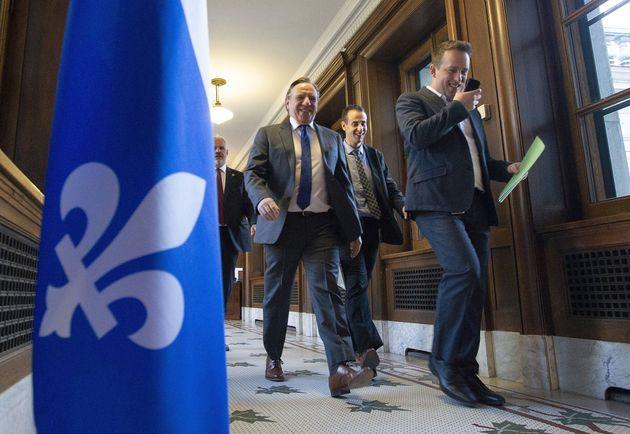 Québec offre des hausses salariales de 7 pour cent sur 5 ans