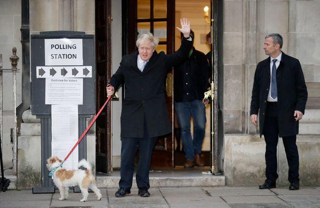 Βρετανία: Μεγάλη νίκη των Συντηρητικών υποδεικνύουν τα exit