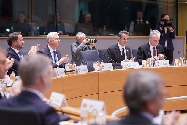 Σύνοδος Κορυφής: «Παράνομη» κρίθηκε η συμφωνία