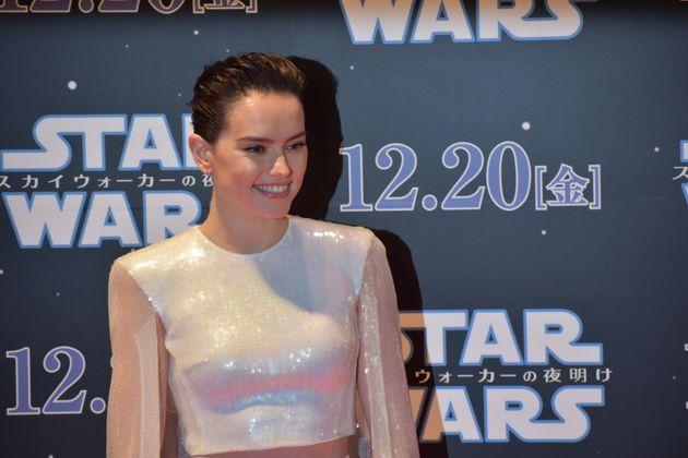 12月20日(金)全国公開『スターウォーズ/スカイウォーカーの夜明け』の公開を前に行われた主要キャストによるレッドカーペットイベントに出席した女優のデイジー・リドリー
