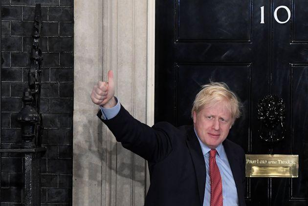 Reino Unido acelera marcha rumo ao Brexit com vitória arrasadora de Johnson em