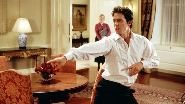 Hugh Grant n'a vraiment pas apprécié ce moment où il a dû danser dans «Love