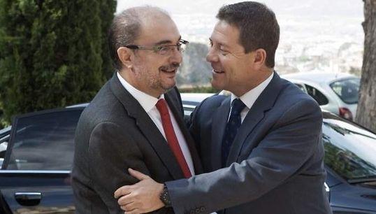 Tensión en el PSOE: Page y Lambán, contra el acuerdo con ERC y rifirrafe con