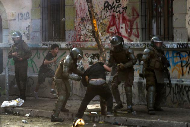 ΟΗΕ: Η Χιλή πρέπει να ασκήσει διώξεις σε βάρος αστυνομικών - στρατιωτών που άσκησαν βία εναντίον