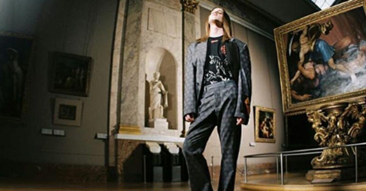 Le Louvre s'associe à Virgil Abloh et Off-White pour vendre des t-shirts