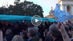 Le sardine conquistano Piazza San Giovanni a Roma con Bella Ciao e l'Inno d'Italia