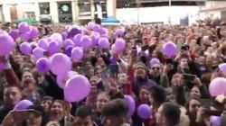 Una multitud se manifiesta en el centro de Madrid en apoyo a una concursante de 'GH