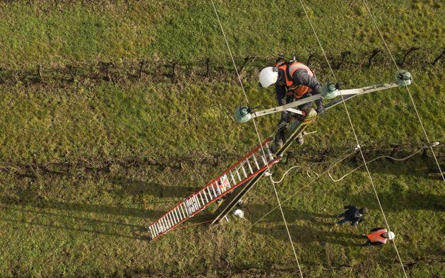 Encore 12.500 foyers sans électricité dimanche après les