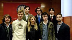 Díaz Ayuso sale en defensa de los jóvenes que acompañan a Álvarez de Toledo en esta
