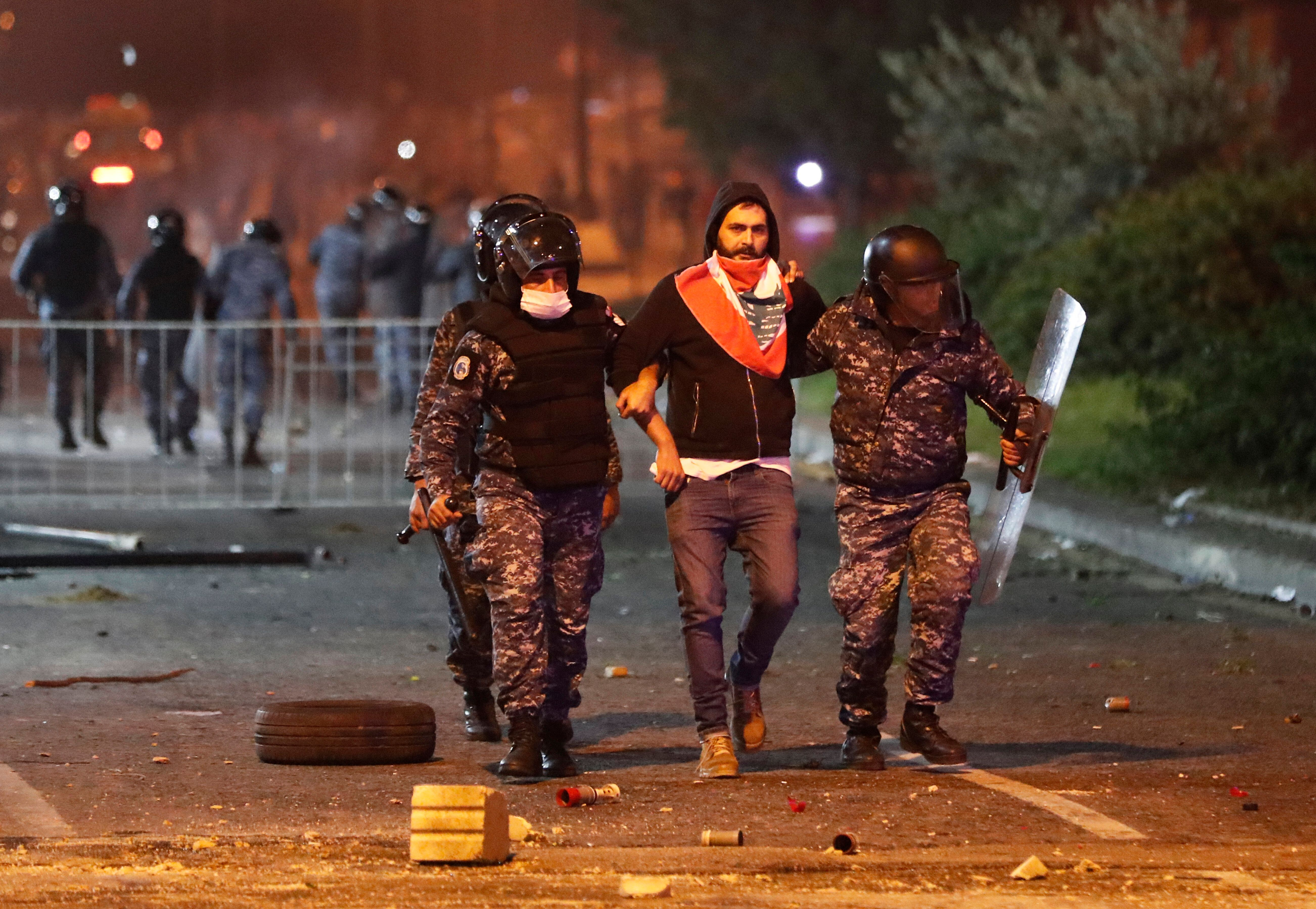 Lebanese Burn Ruling Parties' Offices After Night Of Violent Clashes