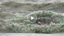 Un mare inquietante di plastica. I rifiuti invadono le coste del Sudafrica