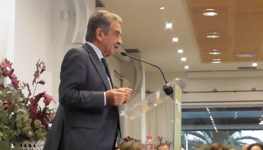 """Revilla, a Sánchez: """"No hay voto si no aparece en el BOE la licitación del ferrocarril de Palencia a Alar del"""